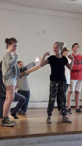 Held_innen-IFANT-Theaterpaedagogik-Ausbildung-G7-08