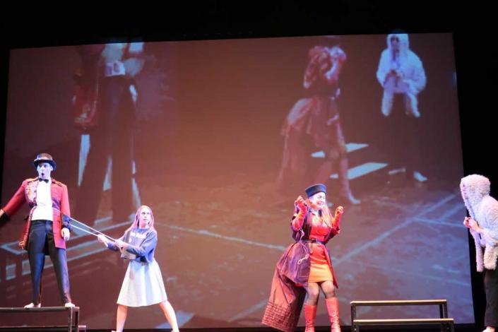 Alice im Wunderland IFANT Theaterpaedadogik Ausbildung 13