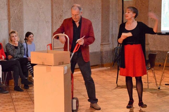 Moderator Friedhelm- Roth Lange und Moderatorin Anna Rab