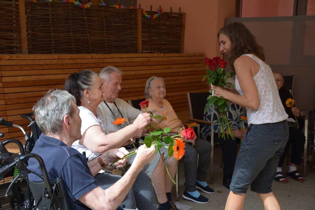 Beamen oder Flucht aus Seniorenheim IFANT Theaterpaedagogik Ausbildung G8 07