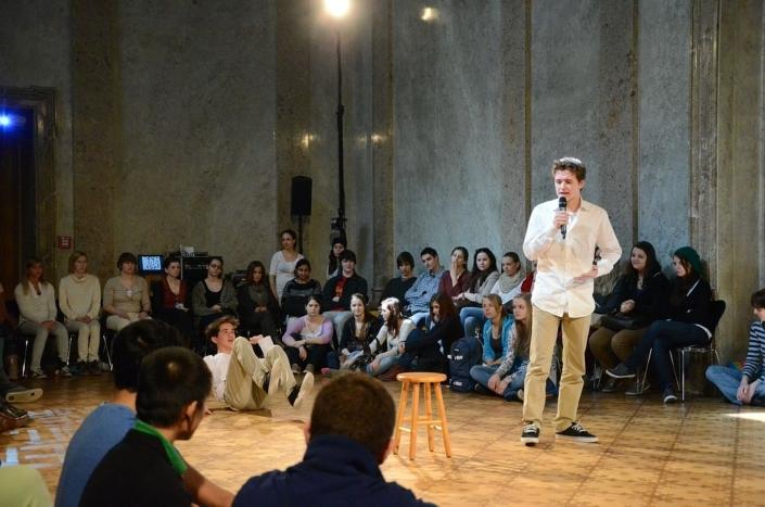 Die-Stunde-des-Wahrspielens-IFANT-Theaterpaedagogik-Ausbildung-G4-01