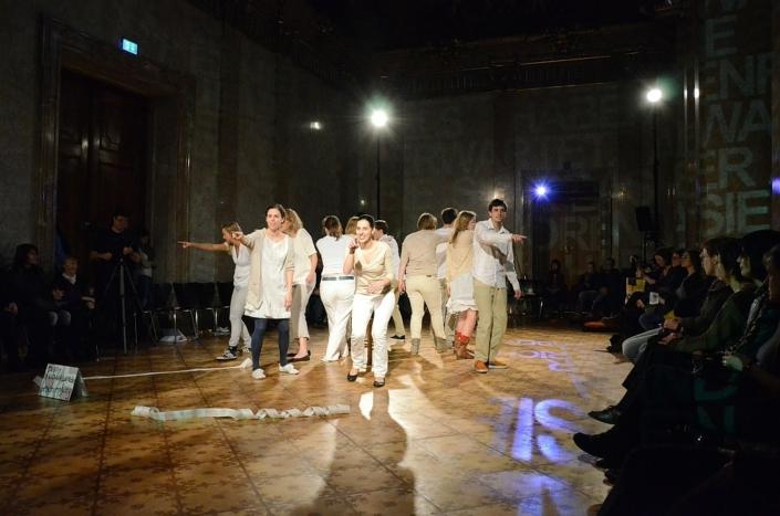 Die-Stunde-des-Wahrspielens-IFANT-Theaterpaedagogik-Ausbildung-G4-02