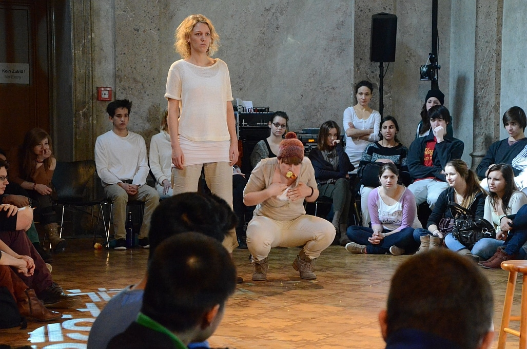 Die-Stunde-des-Wahrspielens-IFANT-Theaterpaedagogik-Ausbildung-G4-03